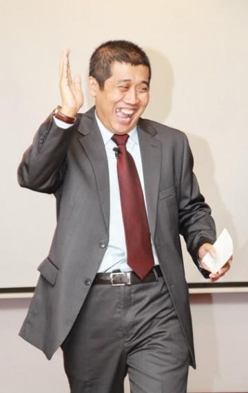 Jamil Azzaini dalam sebuah sesi Training In House