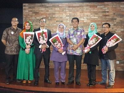 Dari kiri ke kanan: Indrawan Nugroho, Dzakyah Yunarwati, Fay Irvanto, Mia Marianne, Jamil Azzaini, Agni S. Mayangsari, Aris Ananda.