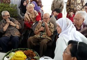 Prof. Satari, Rektor IPB (1971-1978), menyampaikan sambutan pada Satari Day yang digelar alumni IPB di Bogor, Ahad (15 Maret 2015).