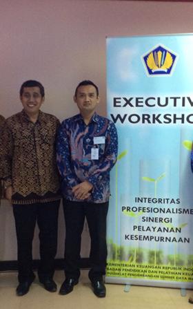 Jamil Azzaini di salah satu training di Kementrian Keuangan Republik Indonesia