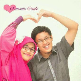 The Romantic Couple: Kang Canun dan istri.